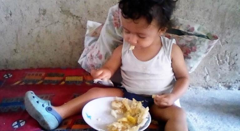 Andrés y su plato de comida