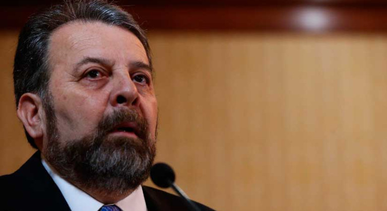 Zambrano dice que mesa de diálogo nacional no sustituye negociaciones en Oslo