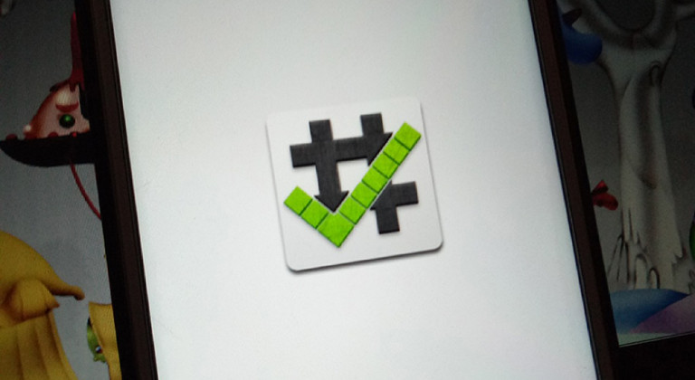 Root checker es una app que permite saber si cuentas con acceso root