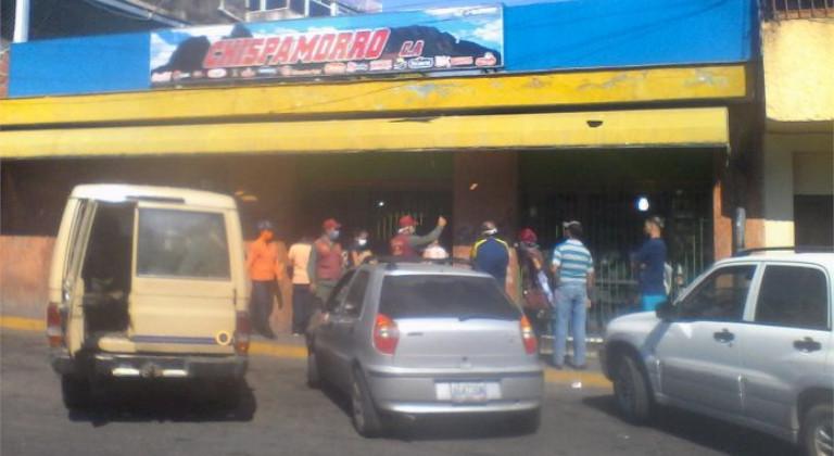 Comercio en San Juan de los Morros durante la cuarentena. Foto: Xiomara López Perozo